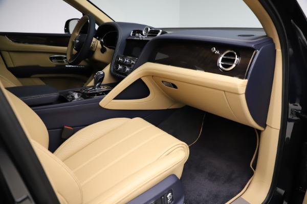 New 2021 Bentley Bentayga V8 for sale $209,755 at Alfa Romeo of Westport in Westport CT 06880 24