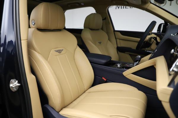 New 2021 Bentley Bentayga V8 for sale $209,755 at Alfa Romeo of Westport in Westport CT 06880 26