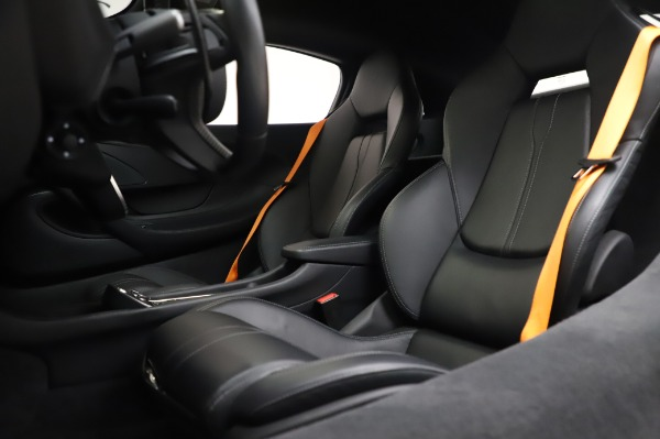 Used 2017 McLaren 570S for sale Call for price at Alfa Romeo of Westport in Westport CT 06880 18
