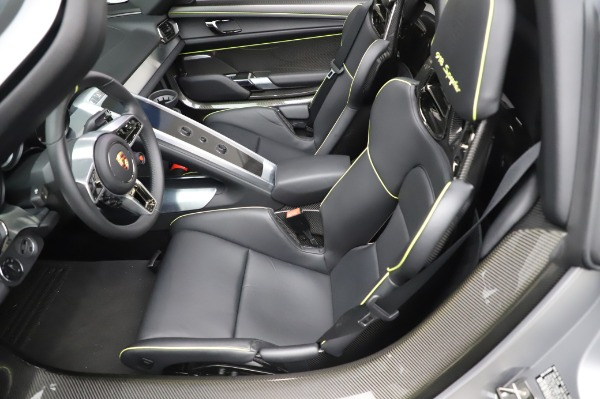Used 2015 Porsche 918 Spyder for sale Sold at Alfa Romeo of Westport in Westport CT 06880 23