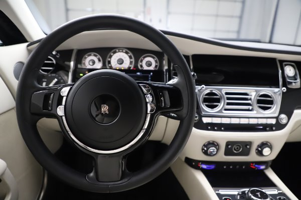 Used 2015 Rolls-Royce Wraith Base for sale $168,900 at Alfa Romeo of Westport in Westport CT 06880 18