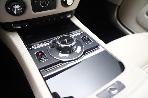 Used 2015 Rolls-Royce Wraith for sale Call for price at Alfa Romeo of Westport in Westport CT 06880 19