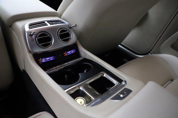 Used 2015 Rolls-Royce Wraith Base for sale $168,900 at Alfa Romeo of Westport in Westport CT 06880 24