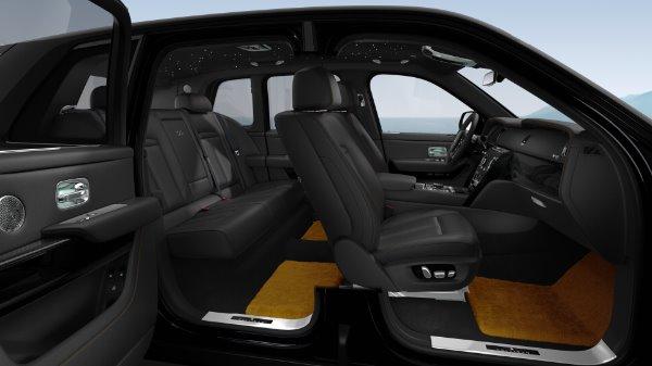 New 2021 Rolls-Royce Cullinan Black Badge for sale $439,700 at Alfa Romeo of Westport in Westport CT 06880 10