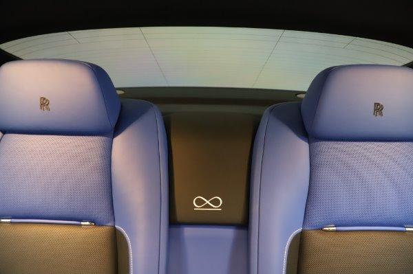 Used 2017 Rolls-Royce Wraith Black Badge for sale $269,900 at Alfa Romeo of Westport in Westport CT 06880 27