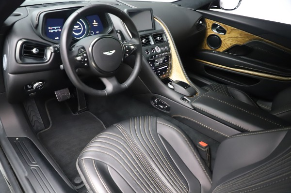 Used 2017 Aston Martin DB11 V12 Coupe for sale $149,900 at Alfa Romeo of Westport in Westport CT 06880 13