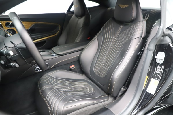 Used 2017 Aston Martin DB11 V12 Coupe for sale $149,900 at Alfa Romeo of Westport in Westport CT 06880 15