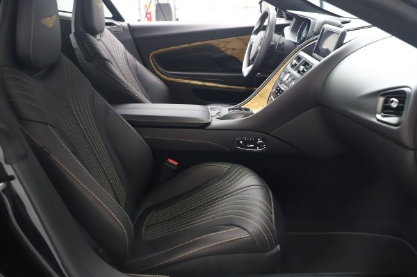 Used 2017 Aston Martin DB11 V12 Coupe for sale $149,900 at Alfa Romeo of Westport in Westport CT 06880 22