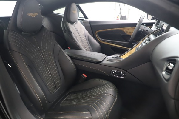 Used 2017 Aston Martin DB11 V12 Coupe for sale $149,900 at Alfa Romeo of Westport in Westport CT 06880 23