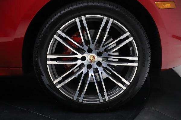 Used 2017 Porsche Macan GTS for sale $57,900 at Alfa Romeo of Westport in Westport CT 06880 27