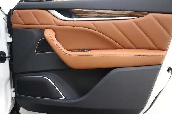 New 2020 Maserati Levante Q4 GranLusso for sale $87,449 at Alfa Romeo of Westport in Westport CT 06880 26