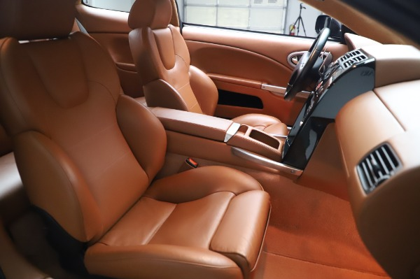 Used 2003 Aston Martin V12 Vanquish Coupe for sale $79,900 at Alfa Romeo of Westport in Westport CT 06880 22