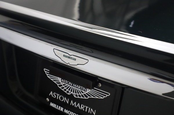 Used 2003 Aston Martin V12 Vanquish Coupe for sale $79,900 at Alfa Romeo of Westport in Westport CT 06880 26