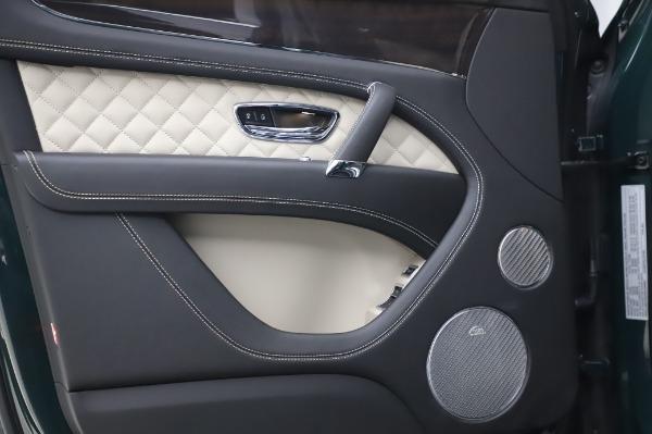 Used 2020 Bentley Bentayga V8 for sale $189,900 at Alfa Romeo of Westport in Westport CT 06880 15