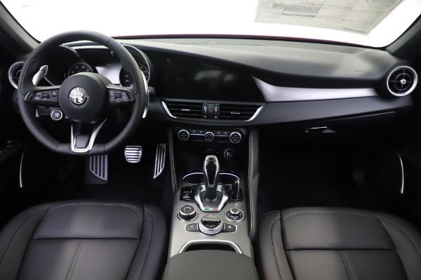 New 2020 Alfa Romeo Giulia Sport Q4 for sale $48,895 at Alfa Romeo of Westport in Westport CT 06880 19
