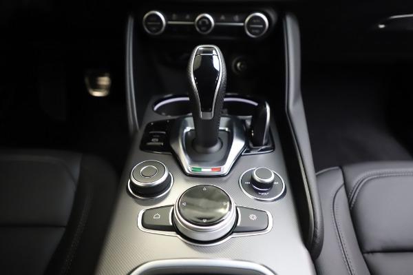 New 2020 Alfa Romeo Giulia Sport Q4 for sale $48,895 at Alfa Romeo of Westport in Westport CT 06880 20