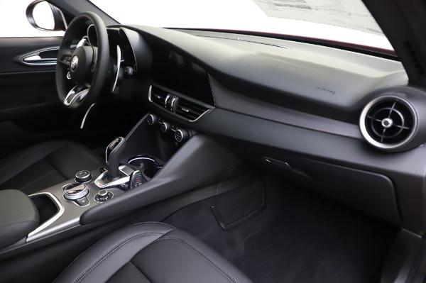New 2020 Alfa Romeo Giulia Sport Q4 for sale $48,895 at Alfa Romeo of Westport in Westport CT 06880 21