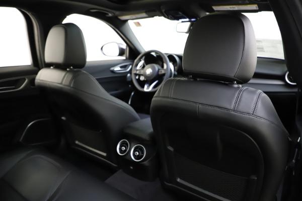New 2020 Alfa Romeo Giulia Ti Sport Q4 for sale $47,995 at Alfa Romeo of Westport in Westport CT 06880 27