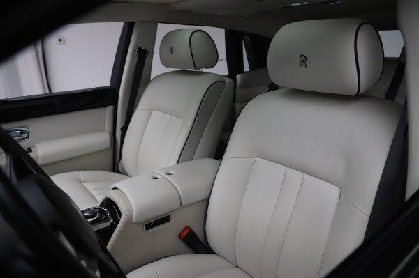 Used 2014 Rolls-Royce Phantom for sale $219,900 at Alfa Romeo of Westport in Westport CT 06880 16