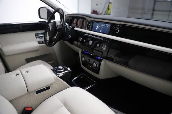 Used 2014 Rolls-Royce Phantom for sale $219,900 at Alfa Romeo of Westport in Westport CT 06880 19
