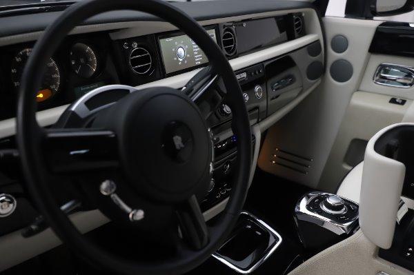 Used 2014 Rolls-Royce Phantom for sale $219,900 at Alfa Romeo of Westport in Westport CT 06880 25