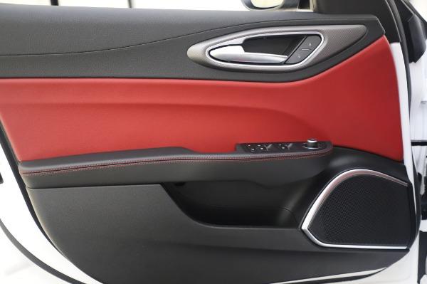 New 2020 Alfa Romeo Giulia Ti Sport Q4 for sale $46,495 at Alfa Romeo of Westport in Westport CT 06880 21