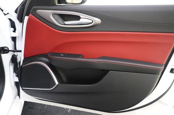 New 2020 Alfa Romeo Giulia Ti Sport Q4 for sale $46,495 at Alfa Romeo of Westport in Westport CT 06880 25