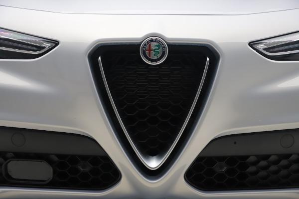 New 2020 Alfa Romeo Stelvio Ti Lusso Q4 for sale $54,145 at Alfa Romeo of Westport in Westport CT 06880 13