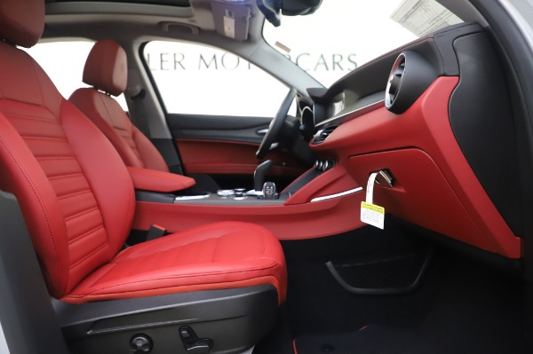 New 2020 Alfa Romeo Stelvio Ti Lusso Q4 for sale $54,145 at Alfa Romeo of Westport in Westport CT 06880 24