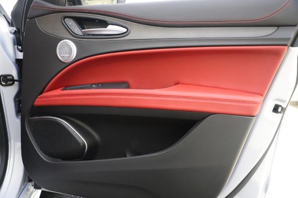 New 2020 Alfa Romeo Stelvio Ti Lusso Q4 for sale $54,145 at Alfa Romeo of Westport in Westport CT 06880 26