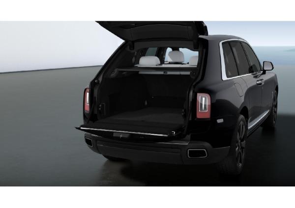 New 2021 Rolls-Royce Cullinan for sale $376,075 at Alfa Romeo of Westport in Westport CT 06880 4