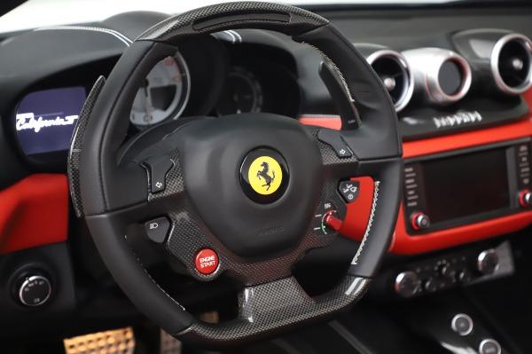 Used 2015 Ferrari California T for sale $159,900 at Alfa Romeo of Westport in Westport CT 06880 19