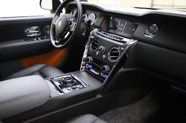 Used 2019 Rolls-Royce Cullinan for sale $349,900 at Alfa Romeo of Westport in Westport CT 06880 13