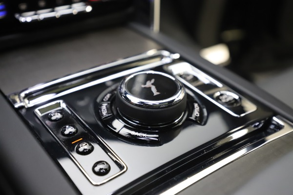 Used 2019 Rolls-Royce Cullinan for sale $349,900 at Alfa Romeo of Westport in Westport CT 06880 24