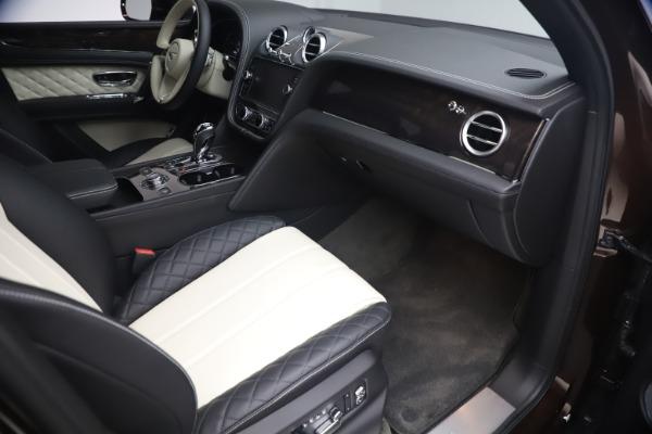 Used 2020 Bentley Bentayga V8 for sale $189,900 at Alfa Romeo of Westport in Westport CT 06880 25