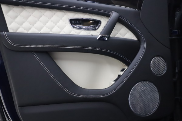 Used 2020 Bentley Bentayga V8 for sale Call for price at Alfa Romeo of Westport in Westport CT 06880 14