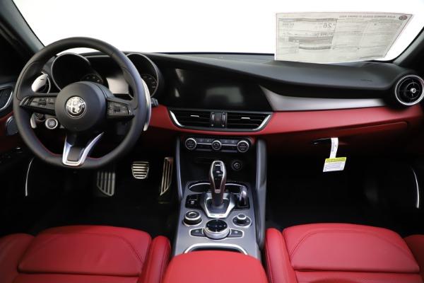 New 2020 Alfa Romeo Giulia Ti Sport Q4 for sale $51,495 at Alfa Romeo of Westport in Westport CT 06880 25