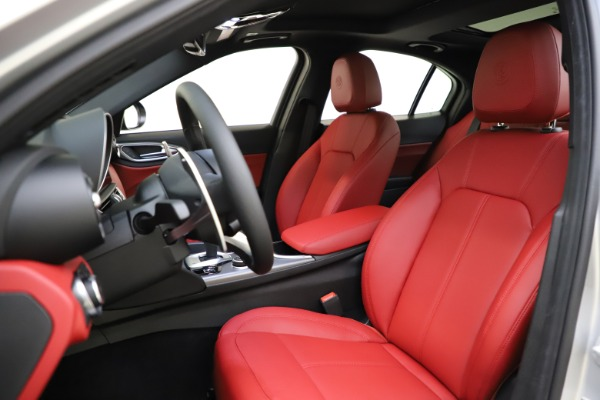 New 2020 Alfa Romeo Giulia Sport Q4 for sale $48,645 at Alfa Romeo of Westport in Westport CT 06880 15