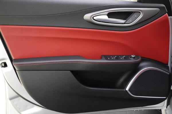 New 2020 Alfa Romeo Giulia Sport Q4 for sale $48,645 at Alfa Romeo of Westport in Westport CT 06880 17