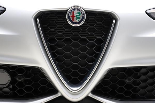 New 2020 Alfa Romeo Giulia Sport Q4 for sale $48,645 at Alfa Romeo of Westport in Westport CT 06880 27