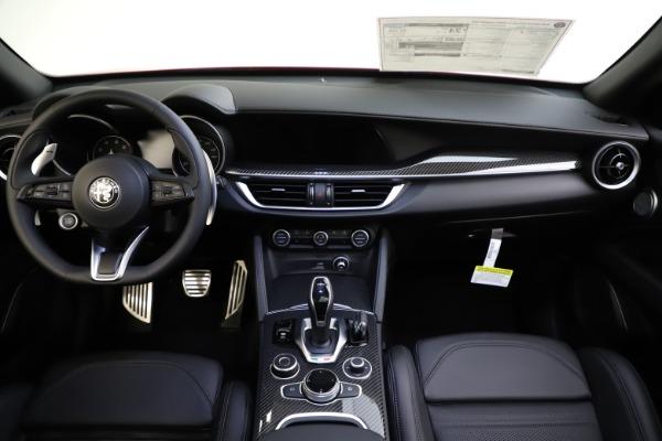 New 2020 Alfa Romeo Stelvio Ti Sport Carbon Q4 for sale $58,745 at Alfa Romeo of Westport in Westport CT 06880 16