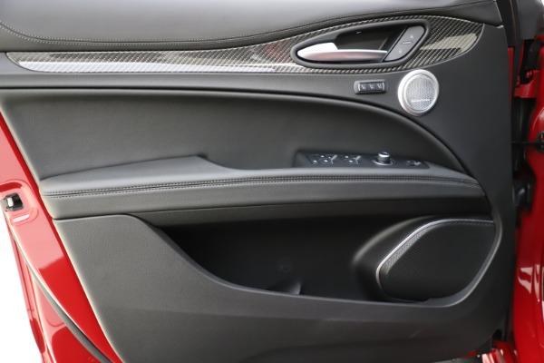 New 2020 Alfa Romeo Stelvio Ti Sport Carbon Q4 for sale $58,745 at Alfa Romeo of Westport in Westport CT 06880 17