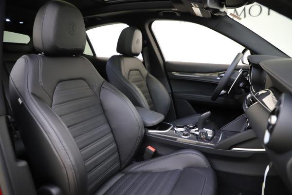 New 2020 Alfa Romeo Stelvio Ti Sport Carbon Q4 for sale $58,745 at Alfa Romeo of Westport in Westport CT 06880 22