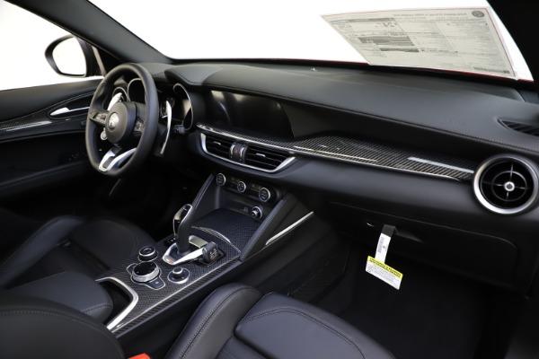 New 2020 Alfa Romeo Stelvio Ti Sport Carbon Q4 for sale $58,745 at Alfa Romeo of Westport in Westport CT 06880 24