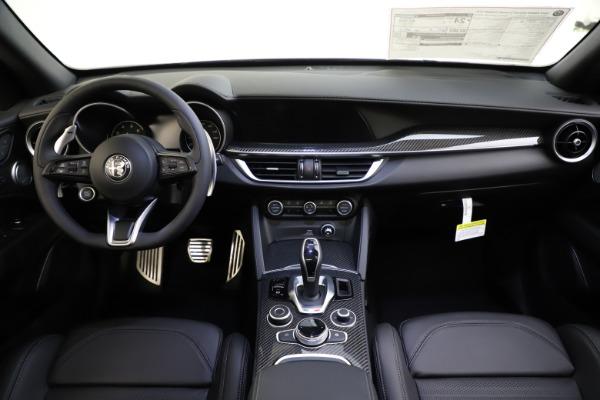 New 2020 Alfa Romeo Stelvio Ti Sport Carbon Q4 for sale Sold at Alfa Romeo of Westport in Westport CT 06880 16