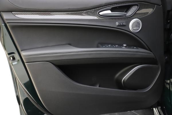 New 2020 Alfa Romeo Stelvio Ti Sport Carbon Q4 for sale Sold at Alfa Romeo of Westport in Westport CT 06880 17