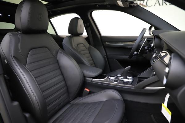New 2020 Alfa Romeo Stelvio Ti Sport Carbon Q4 for sale Sold at Alfa Romeo of Westport in Westport CT 06880 22