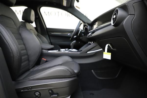 New 2020 Alfa Romeo Stelvio Ti Sport Carbon Q4 for sale Sold at Alfa Romeo of Westport in Westport CT 06880 23