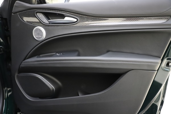 New 2020 Alfa Romeo Stelvio Ti Sport Carbon Q4 for sale Sold at Alfa Romeo of Westport in Westport CT 06880 25