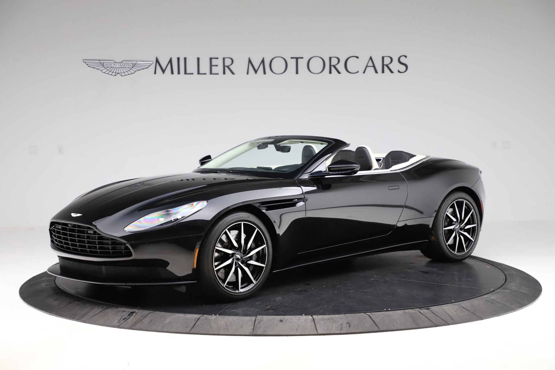 Used 2020 Aston Martin DB11 Volante for sale $209,900 at Alfa Romeo of Westport in Westport CT 06880 1